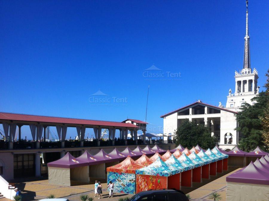 Торговые ряды на площади из шатров Пагода